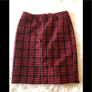 Coldwater Creek woven pattern  red black skirt